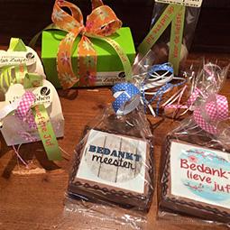 Bedankjes - chocoladecadeaus met persoonlijke tekst voor meester of juf of werknemers